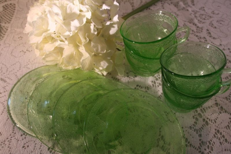 Federal Georgian Lovebird Depression Glass, Dessert set for Four, 1930's by UdellLane on Etsy