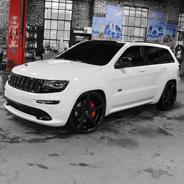 Jeep Srt On A Custom Set Of Lexani Wheels Follow Nolimitbmore For More Great Builds Jeep Grand Cherokee Srt Jeep Srt8 Srt Jeep