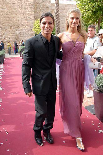 Julio Iglesias Jr Y Charisse Verhaert Su Historia De Amor En Imágenes Julio Iglesias Jr Vestidos De Damas De Honor Julio Iglesias