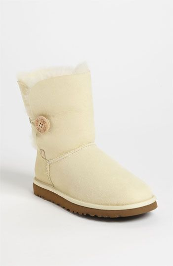White uggs that I want for Christmas!