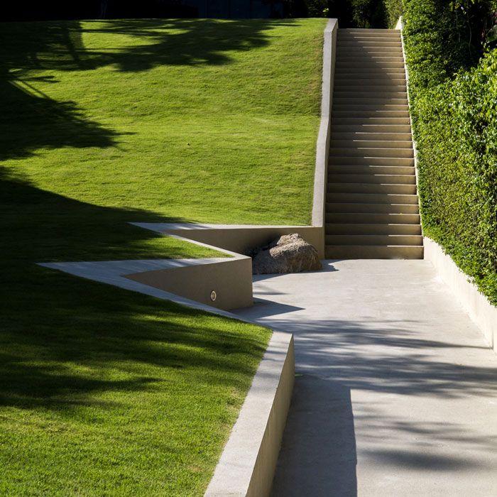 Trop pause court lawn hill 3 landscape architecture for Bc landscape architects