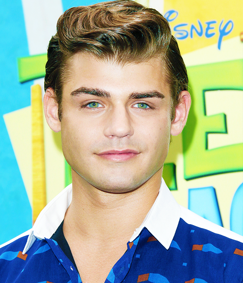 garrett clayton claudia lee