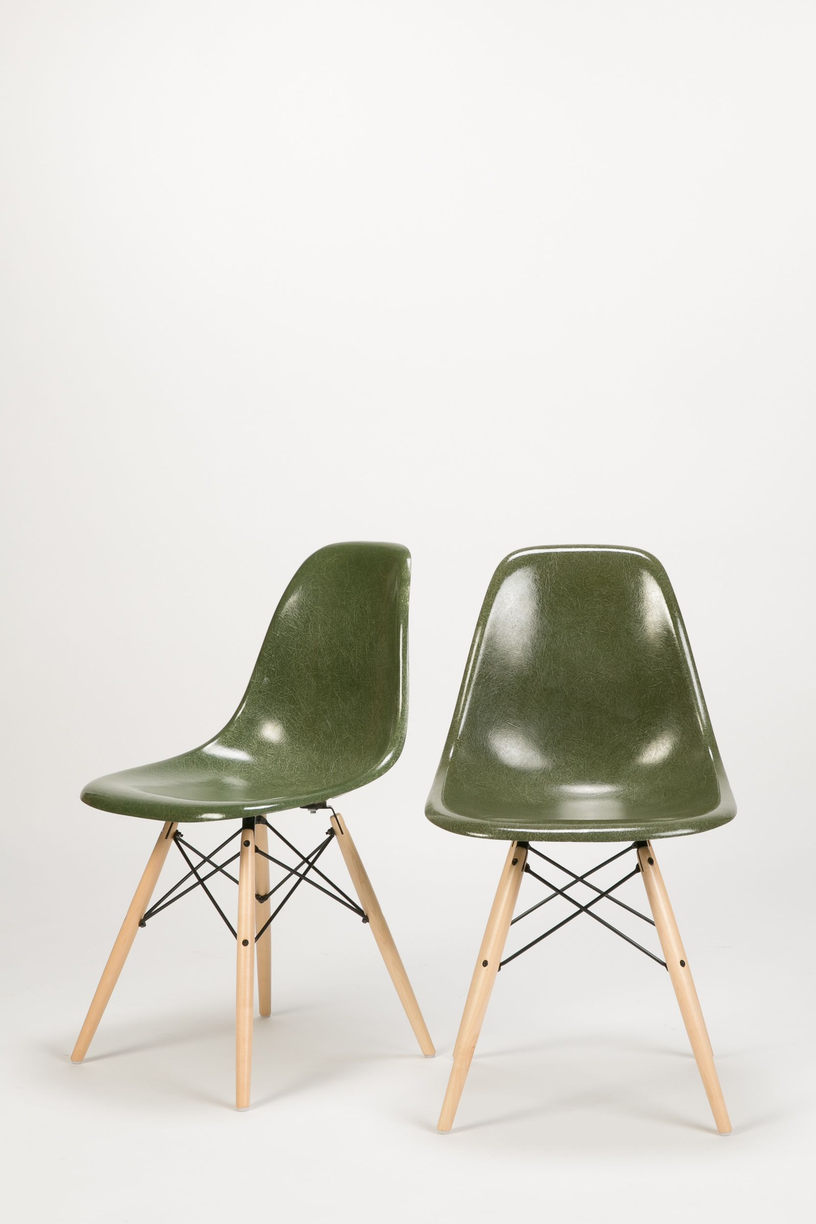 Olive 8 Eames Herman Miller Birch Dowel Charles and Ray Eames Vitra ...
