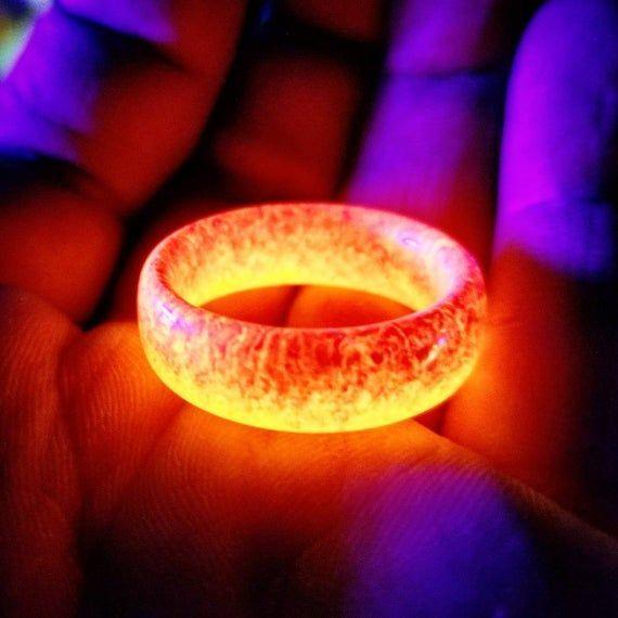 Ring Of Fire - Resin Glow Ring - Glow In The Dark Red & Orange Resin Ring for Men, women, Kids,  #dark #FIRE #Glow #Kids #makingjewelryrings #Men #Orange #Red #Resin #Ring #women