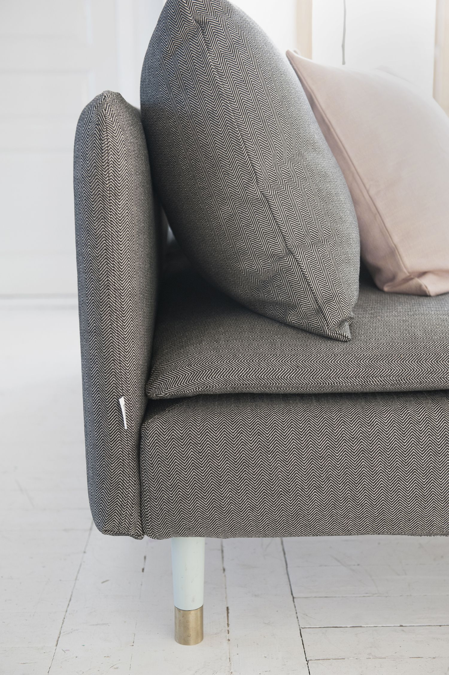 Classic Grey Soderhamn 3 Seater Sofa Cover In Coffee Sand Beige Briken Herringbone Available Feb 2015 Cushion Cover In Rose Teg Vardagsrum Soffa Inredning