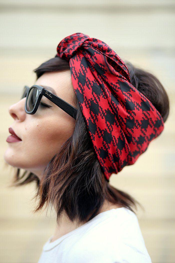 16 Increíbles maneras de anudar un pañuelo en tu cabello corto y ... b39f46ffe41