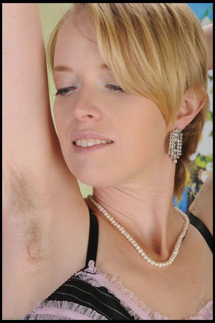 ボード「Hairy Womens Armpits」のピン