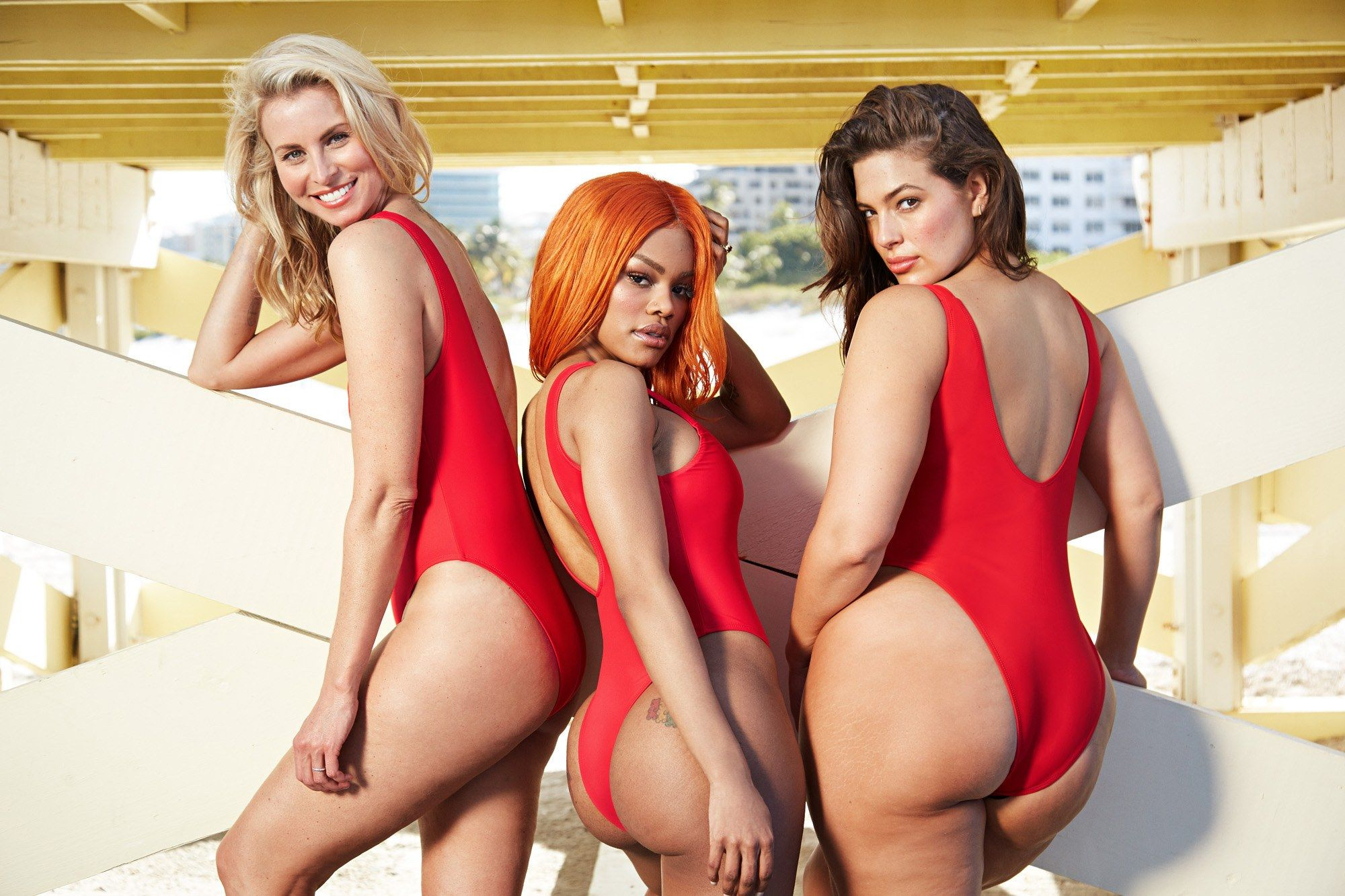 Baywatch Badpak Kopen.You Can Now Get The Iconic Baywatch Swimsuit In Plus Sizes