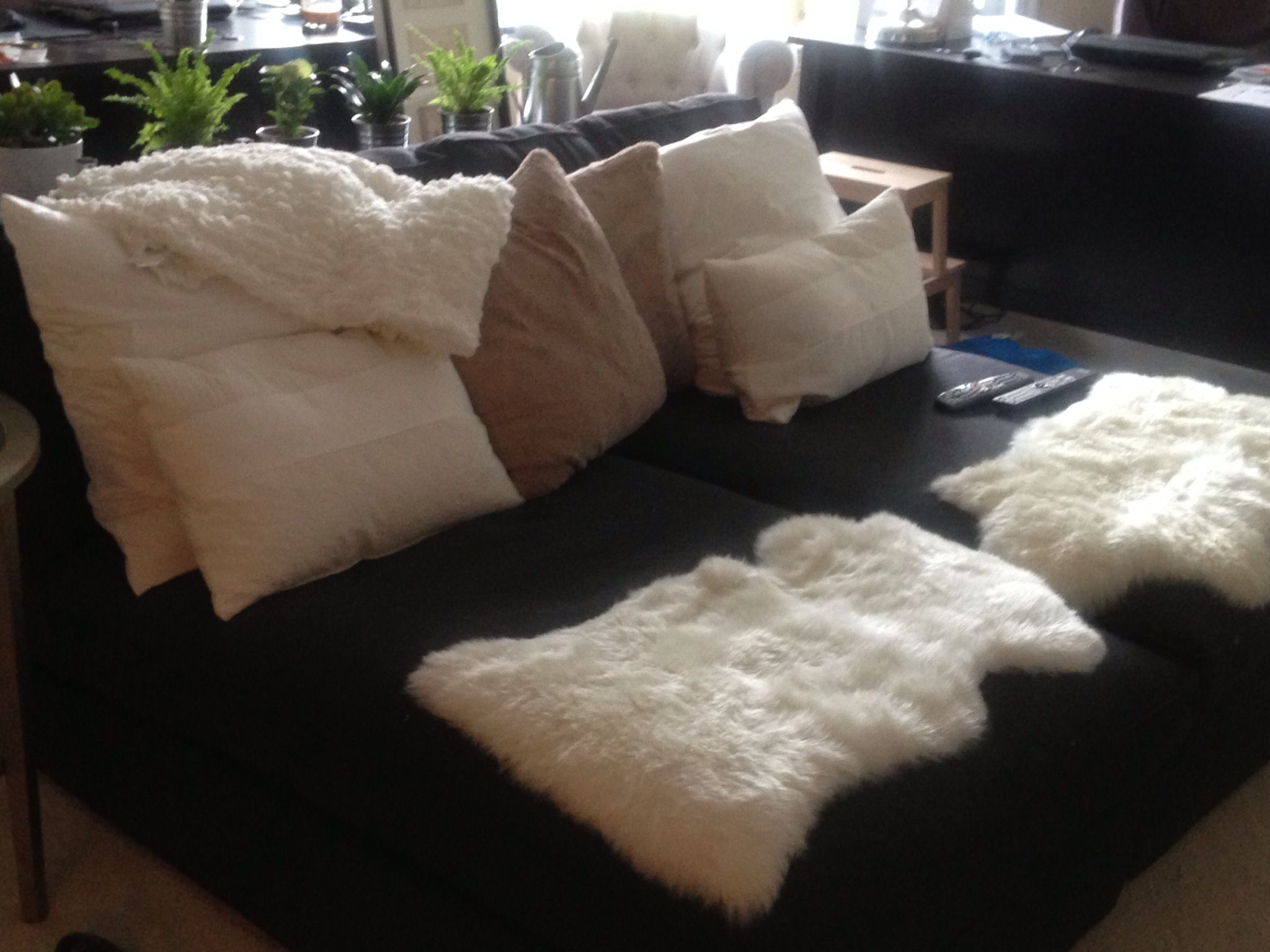 Simple kivik chaises from ikea lots of soft fluffy things for Chaise snack
