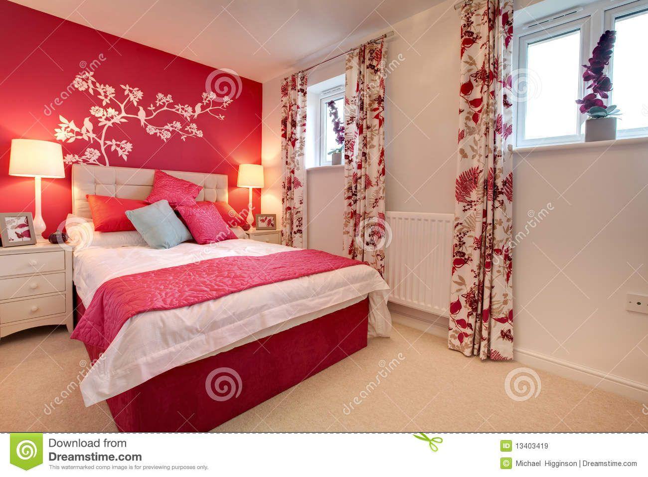 Romantique Chambre rouge | idées déco | Couleurs chambre ...