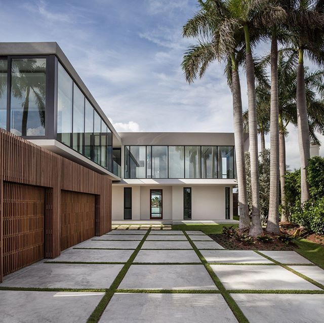 Fendi Residence In Miamibeach Design By RGlobe Photo By Emilio New Basement Wall Design Exterior