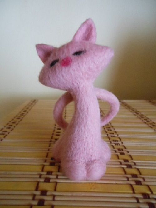 Plstěná růžová kočka