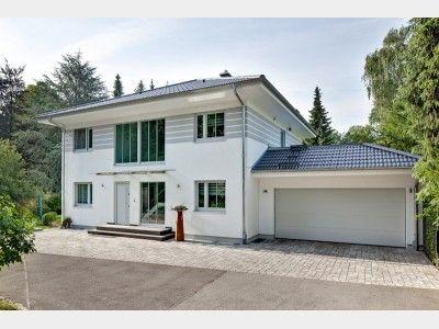 Haus mit doppelgarage flachdach  Bildergebnis für stadtvilla garage vordach | house | Pinterest | House