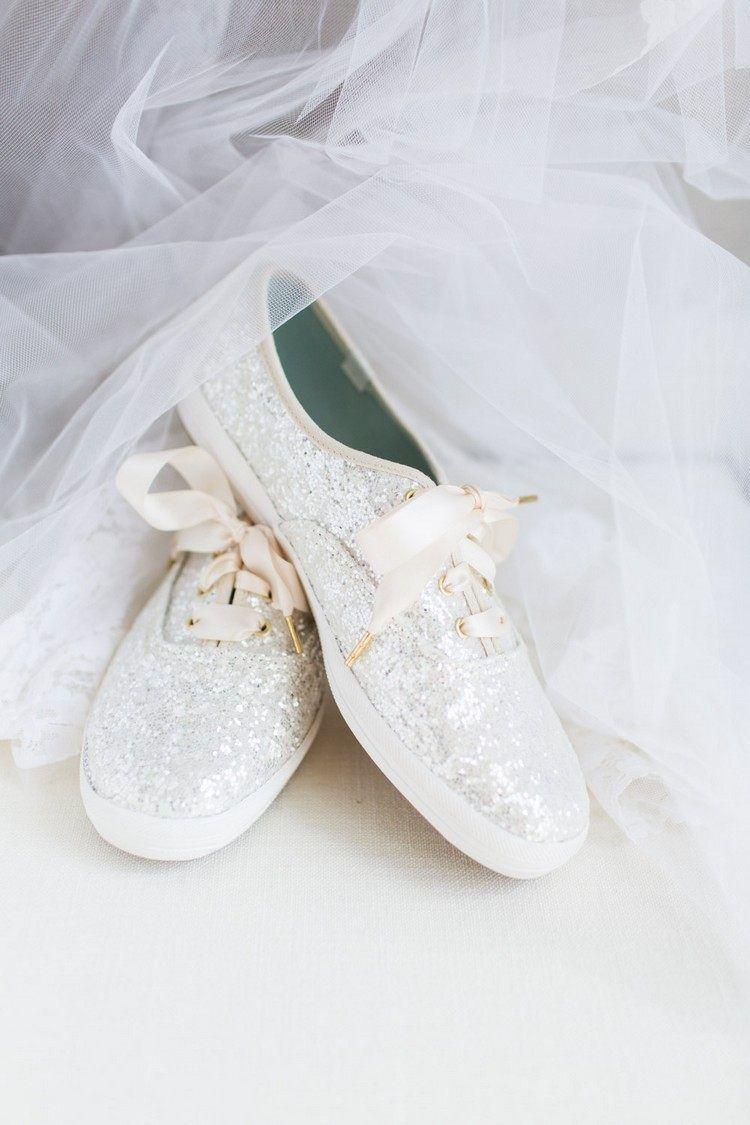 57cf803bb636 basket mariage femme chaussures blanches paillettes #marige #wedding #ideas