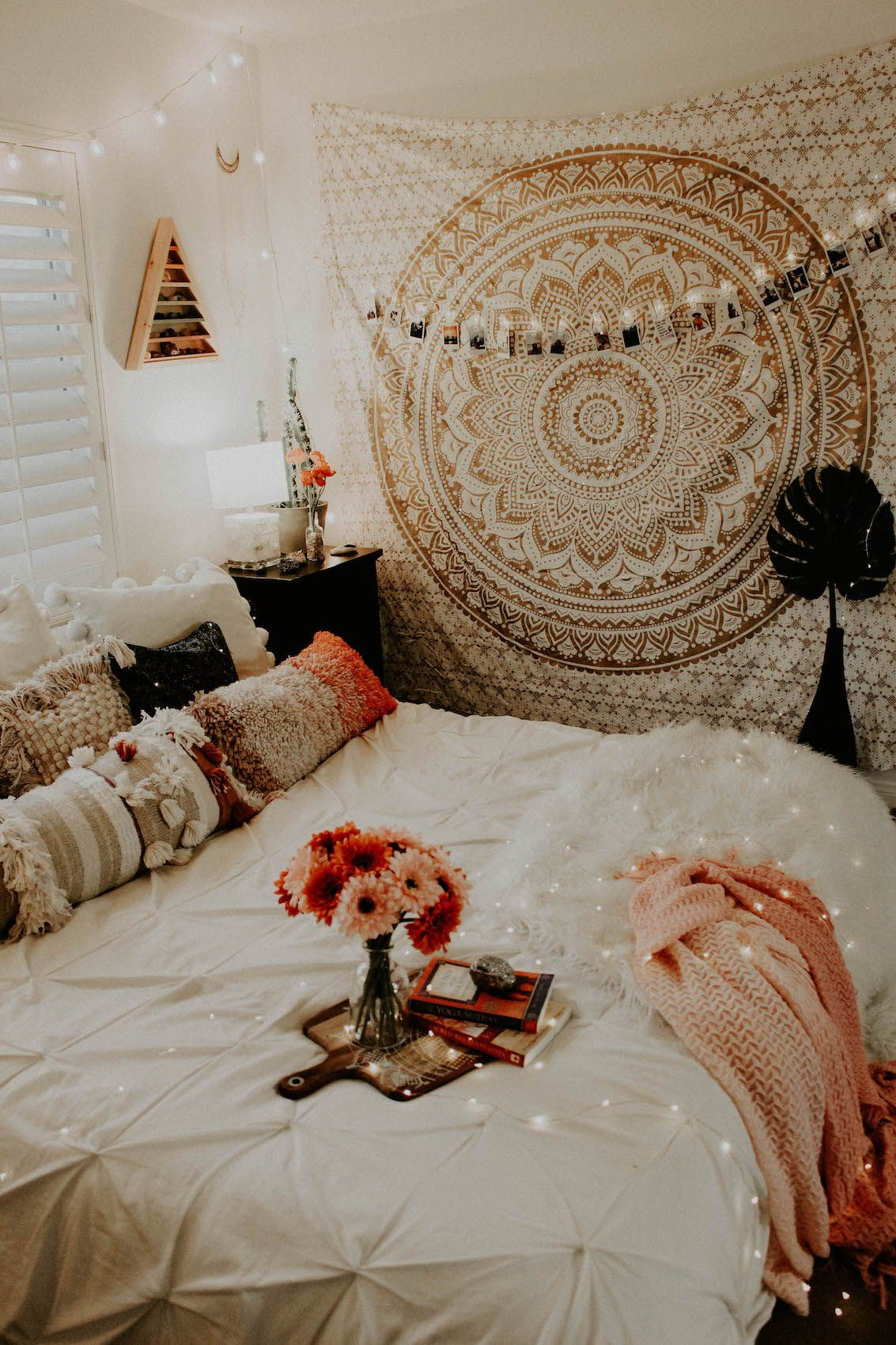 Love These Pillows Cute Bedroom Ideas Bedroom Decor Bedroom