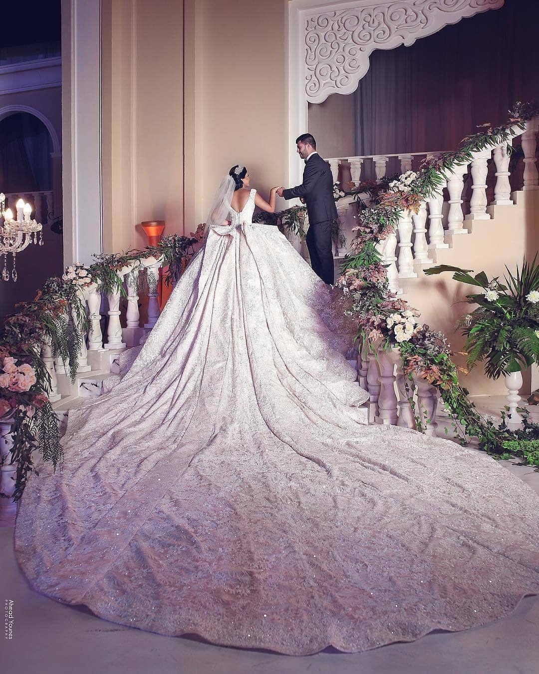 самые дорогие и красивые свадебные платья фото солдатами найдены
