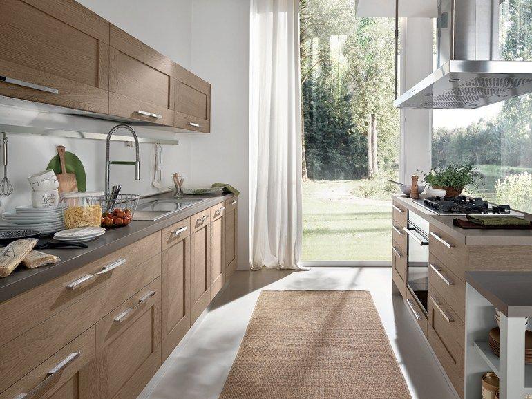 Cucina in legno con isola Collezione Gallery by Cucine Lube ...