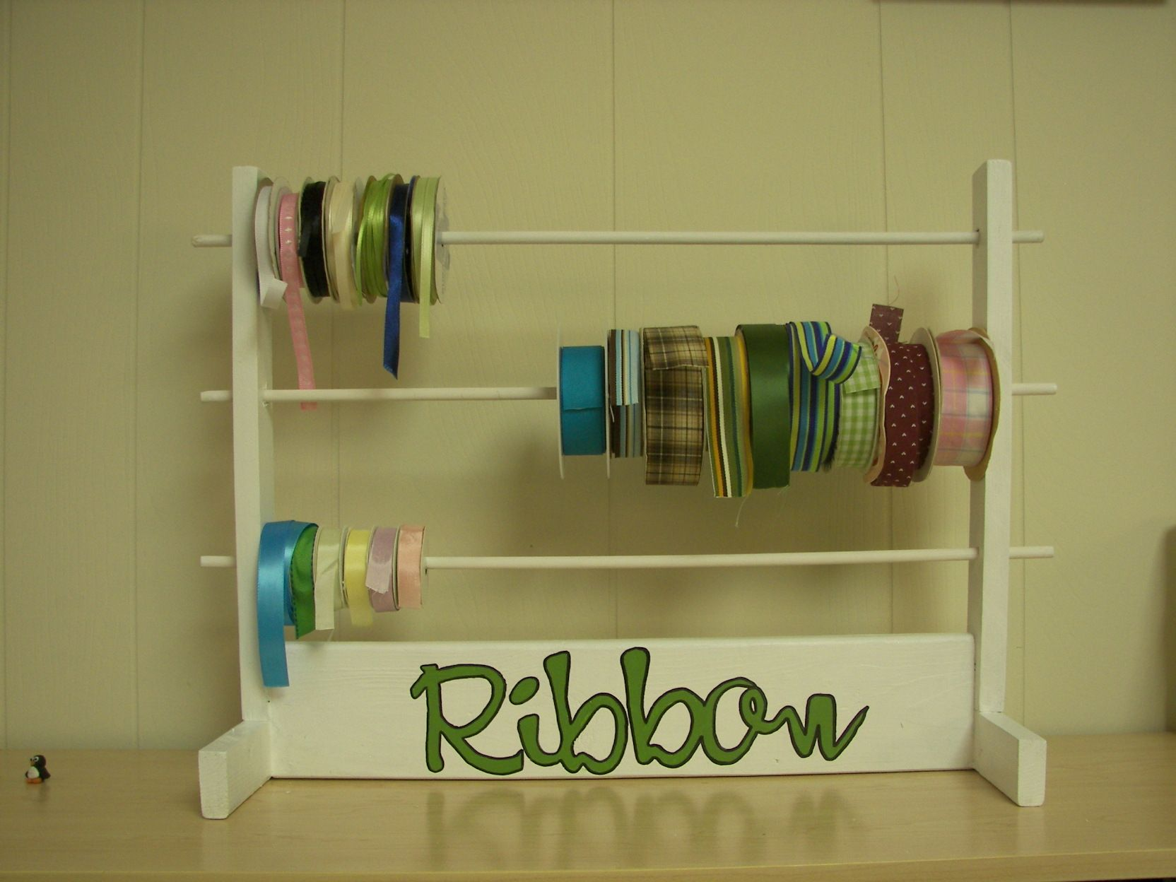 Ribbon holder do it yourself home projects from ana white ribbon holder do it yourself home projects from ana white solutioingenieria Gallery