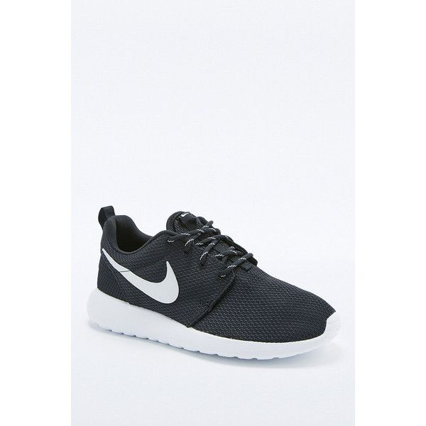 Nike Black and White Roshe Run Trainers ( 105) ❤ liked on Polyvore  featuring shoes 2077eb2b7