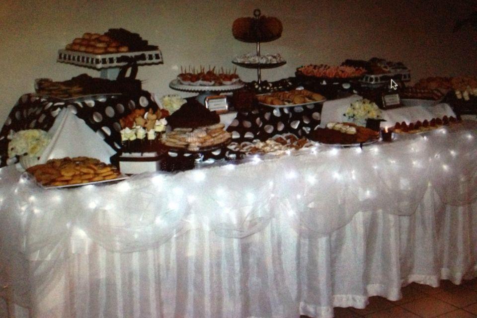 Wedding Cookie Table Display Rustic Weddingideas Sevensprings ...