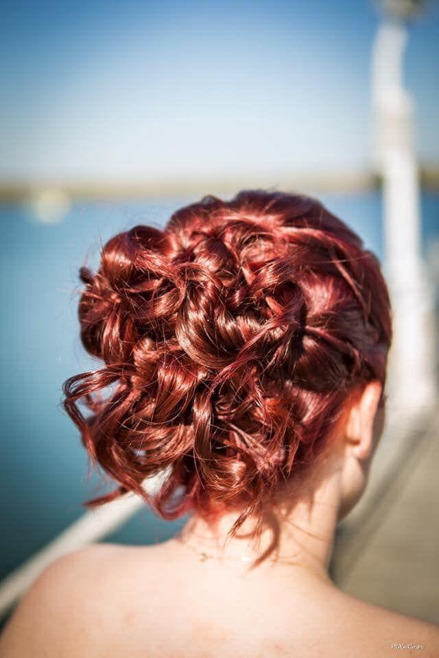 {Témoignages} Ma coiffure de mariée | Coiffure mariée, Coiffure, Chignon coiffé décoiffé