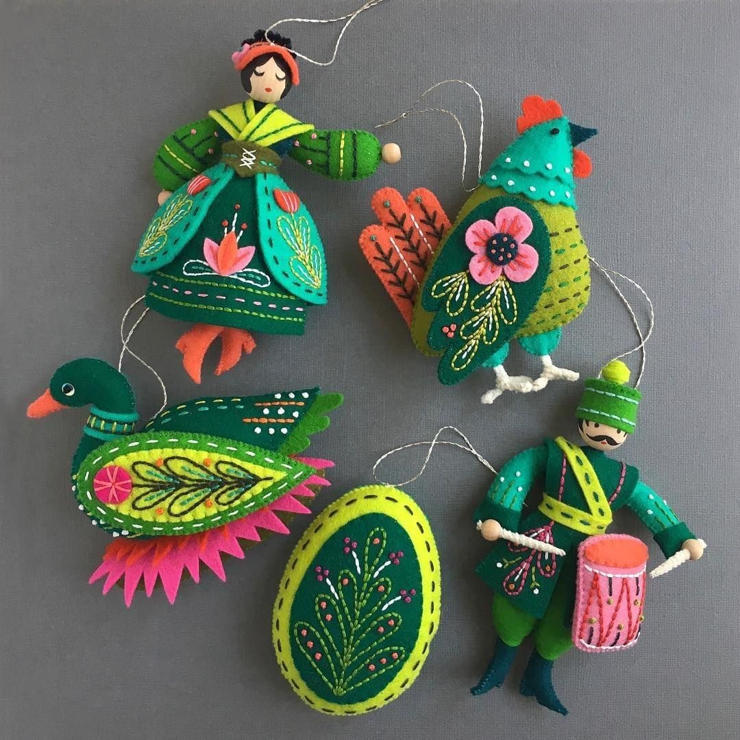 Craft Industry Alliance On Instagram Regram Ciamember Mmmcrafts Here Are All Five Of My Emerald Co Felt Crafts Felt Ornaments Felt Christmas Ornaments