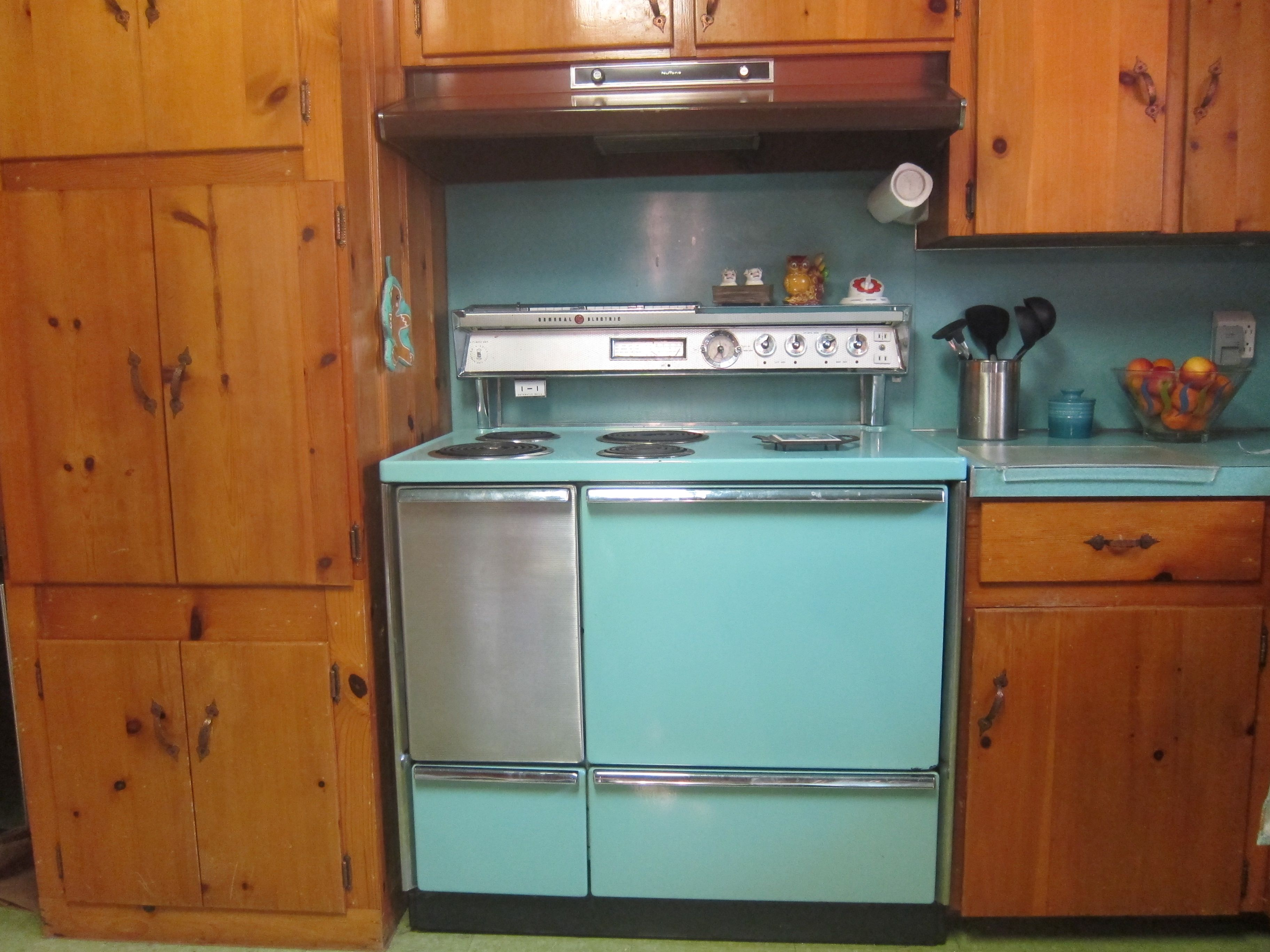 208 pictures of vintage stoves, refrigerators and large appliances ...