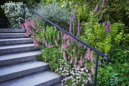 Best Garden Steps With A Wrought Iron Handrail On The East 400 x 300