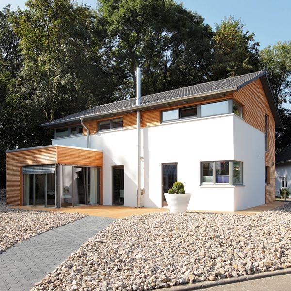 Das moderne Holzfertighaus von Meisterstück Haus hat einen