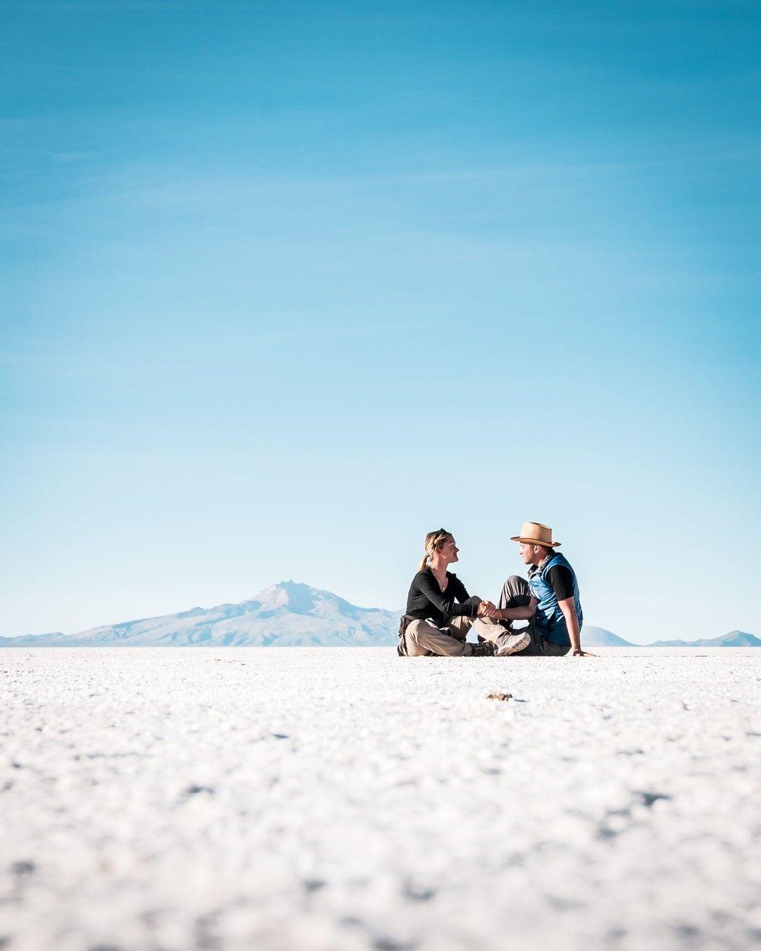 Tomellamoments Posted To Instagram Unsere Schonsten Weltreise Momente Bolivien Salar De Uyuni Hand Hoch Wer Von Euch Alles S Reisen Weltreise Rundreise