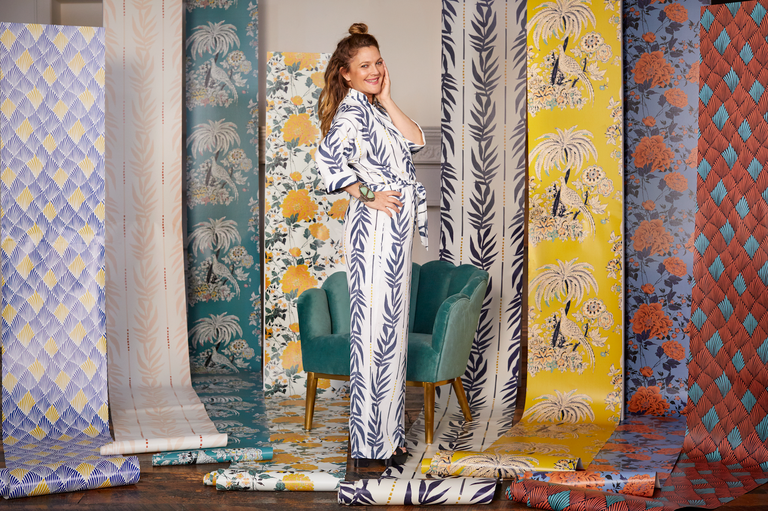 Drew Barrymore Just Released A Gorgeous Line Of Affordable Peel And Stick Wallpaper Chic Wallpaper Vintage Floral Print Peel And Stick Wallpaper