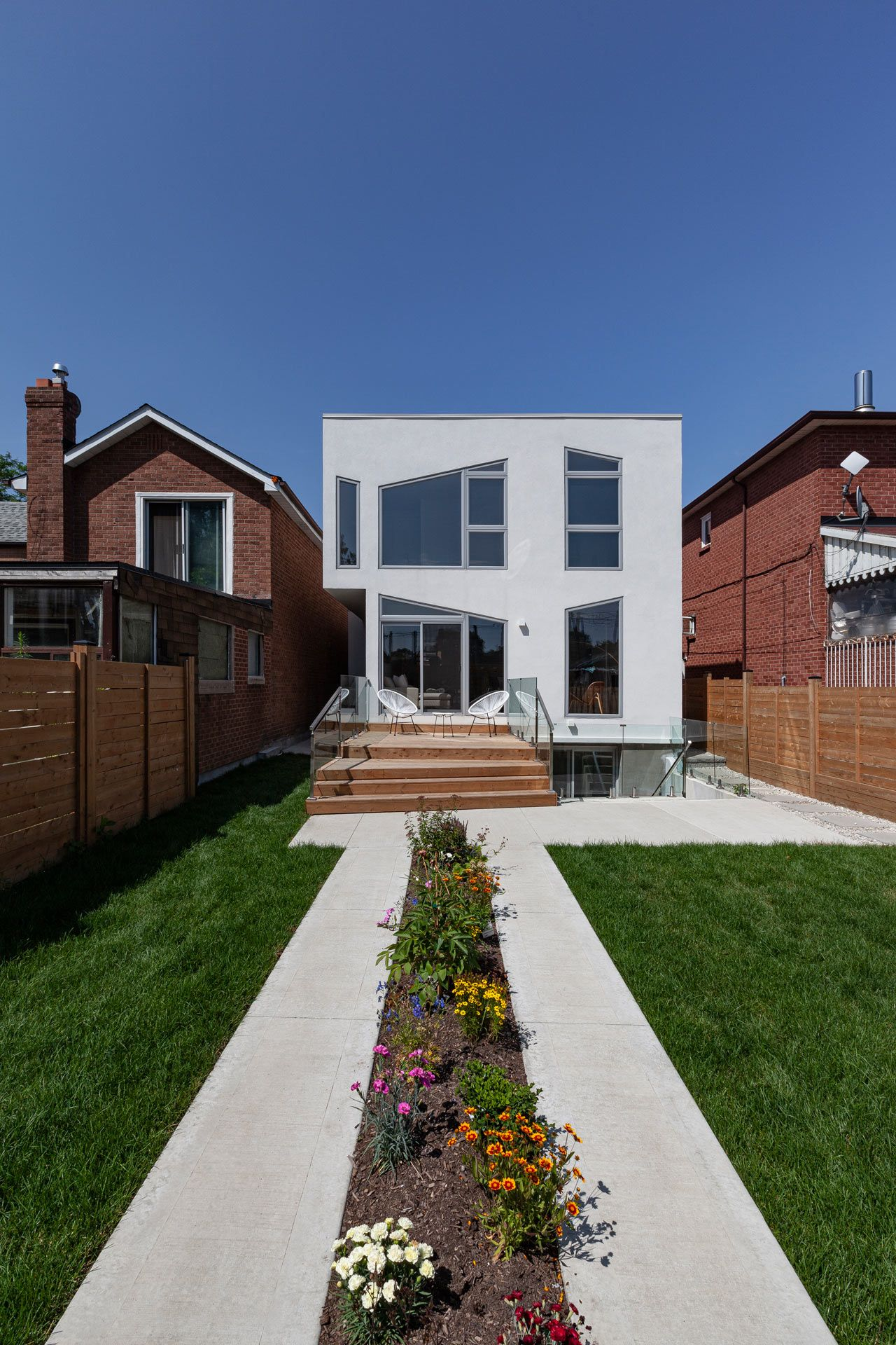 Toronto's Mask House Explores Geometry and Spatial Order