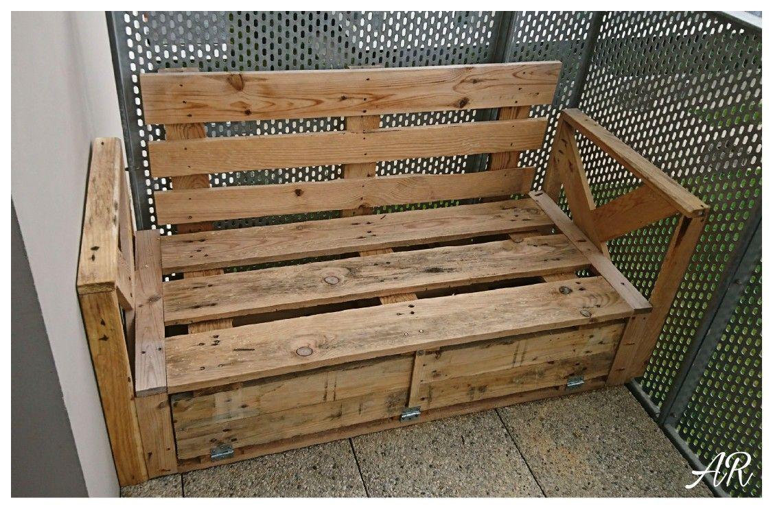 Banc En Palette Sur Mesure Pour Petit Balcon Realise Par Alan Rfy Banc En Palette Petit Balcon Palette