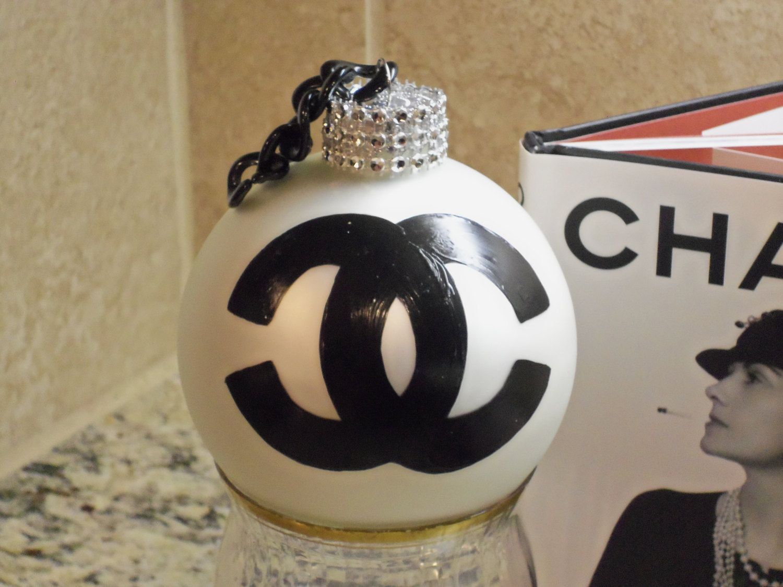 GORGEOUS Handmade French Inspired Style Black and White Rhinestone Christmas…