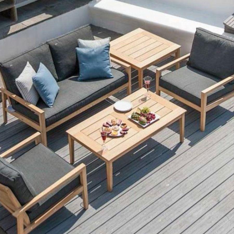Table Basse Carree En Bois Massif Roble Fsc Pour Salon De Jardin Peut Se Placer A Cote D Une Chaise Long