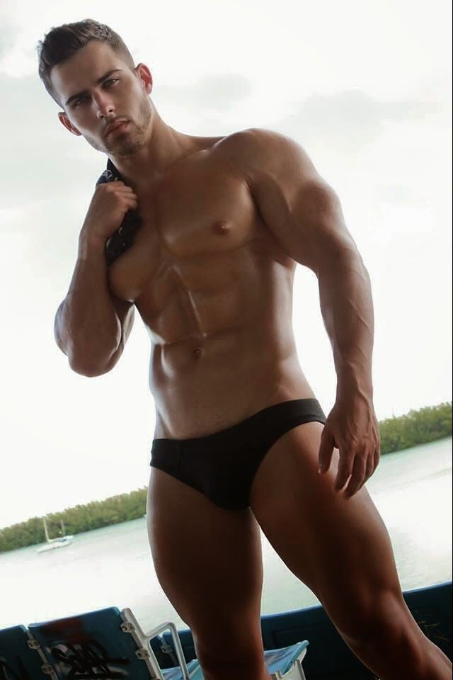 Sexy Large And In Charge Alpha Muscle Hunks Alphamusclehunks Tumblr Com Archive