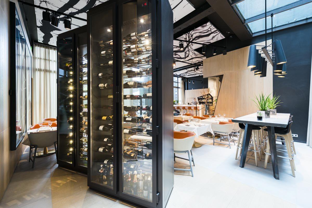 Cave A Vin Sur Mesure Design Pour Hotel De Luxe Avec Images