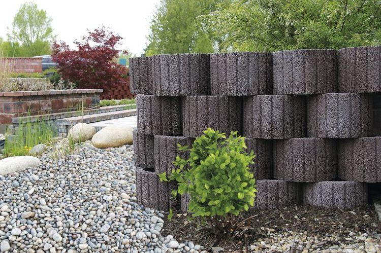 pflanzringe-beton-setzen-gartengestaltung-grau-sichtschutz - sichtschutz auf sttzmauer