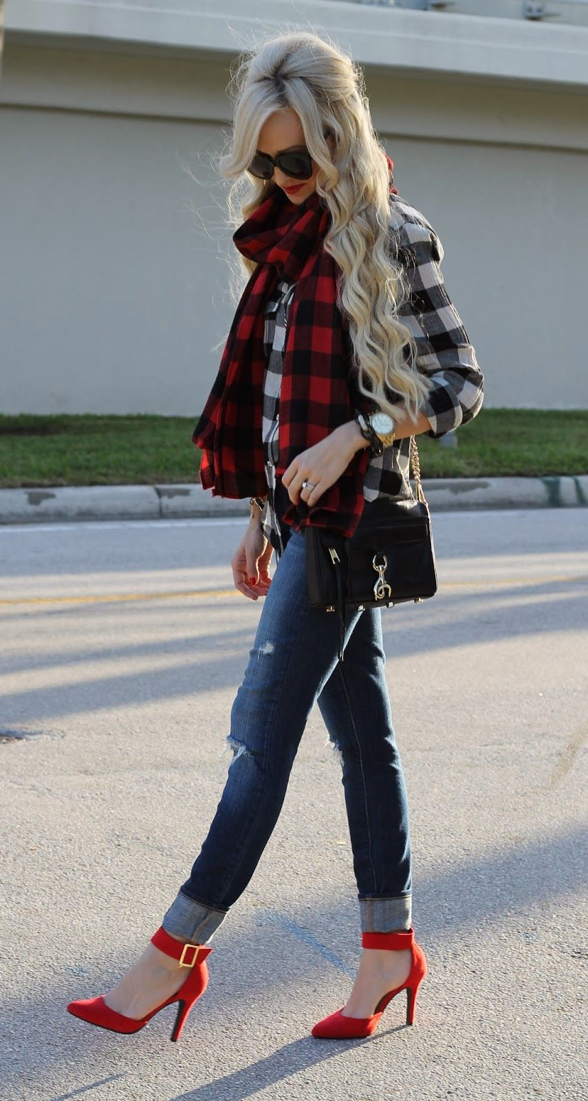Flannel outfits around waist  A Spoonful of Style  fashion  Pinterest  Buffalo plaid Plaid and