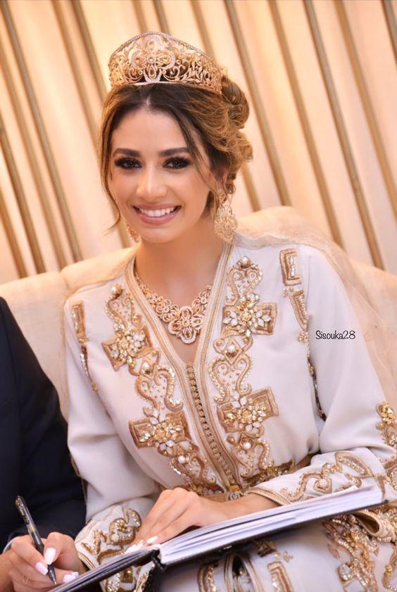 Vestiti Da Sposa Del Marocco.Tendances 2020 Caftan Marocain De Mariage A Paris Bruxelles Dubai