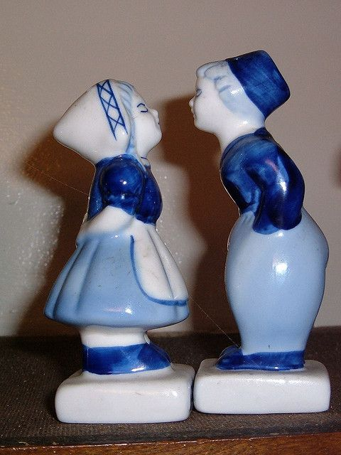 Art Pottery Latest Collection Of Delft Blue Dutch Milk Maid Hand Painted Beautiful And Charming