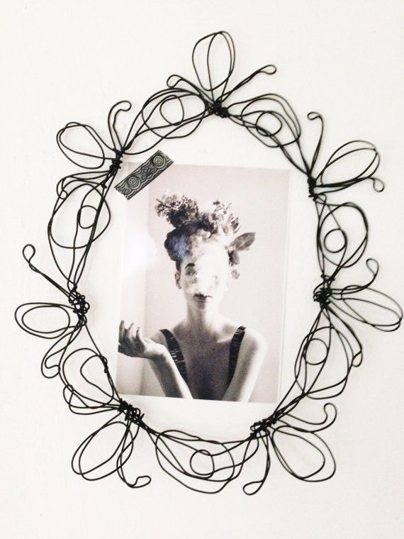 Wire wall frame, glamour art, wire sculpture, Artwork by Isabella ...