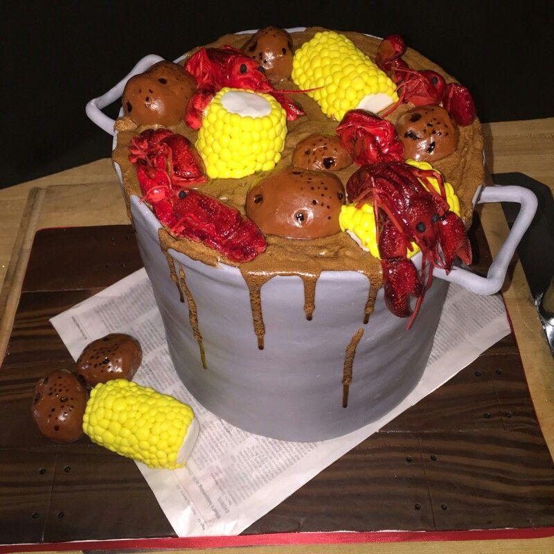 Crawfish boil cake. Wray too Good custom cakes.