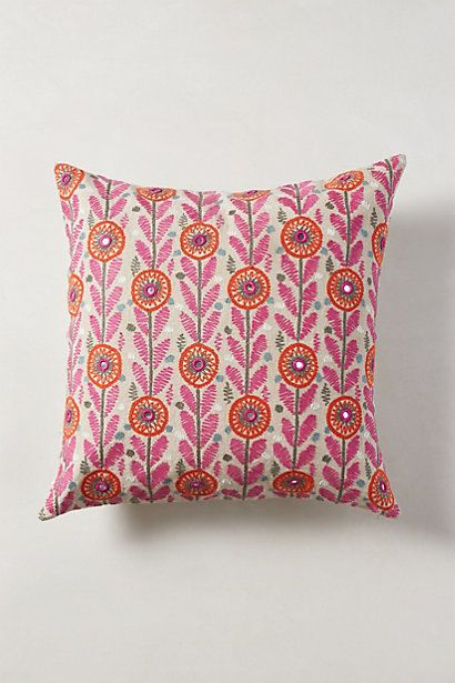 Dorable Living Room Throws Embellishment - Living Room Designs ...