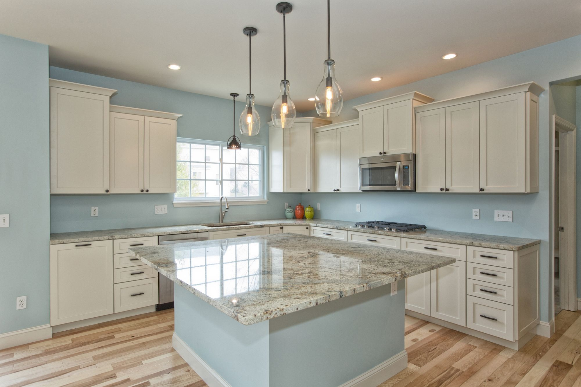 Download Wallpaper White Kitchen Cabinets With Blue Grey Walls