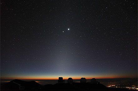 接近する金星と木星、彩りを添える二つの「すばる」