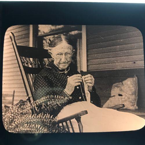 Old Grandma Knitting : Vtg magic lantern glass slide photo old woman granny
