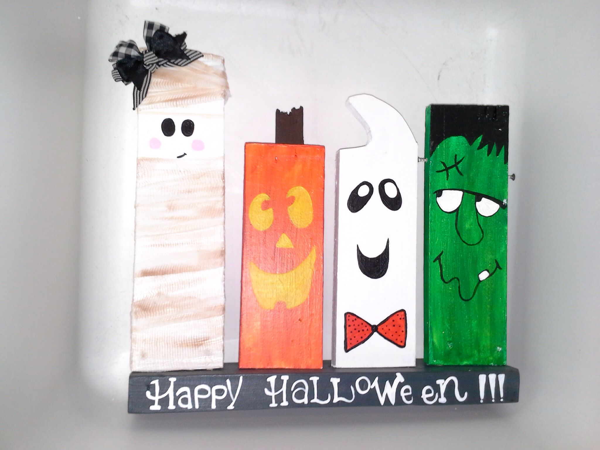 Awesome and cheap diy halloween decor with 2x4s that i had in the ...