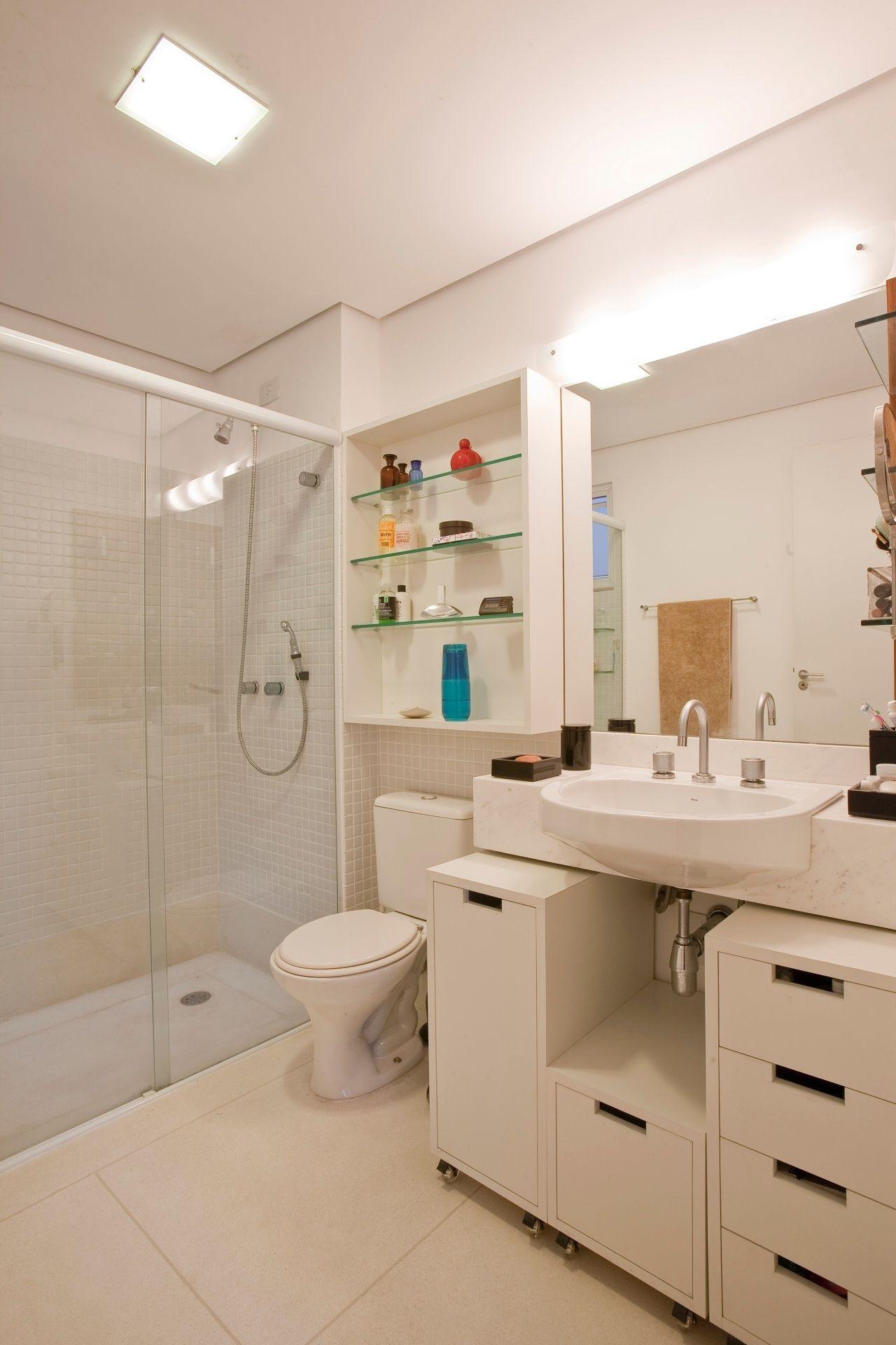 Banheiros pequenos: dicas de decoração para quem tem pouco espaço - BOL Fotos - BOL Fotos