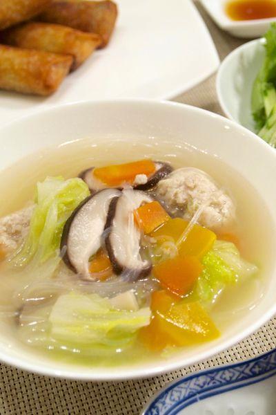 中華料理】「ふわんふわん☆鶏団子と白菜の春雨スープ」&横浜中華街の ...